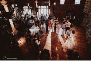 058-sanderson-images-Harvest-View-barn-hershey-wedding-photos-vintage-barn