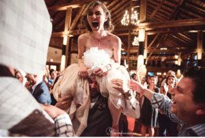 068-sanderson-images-Harvest-View-barn-hershey-wedding-photos-vintage-barn