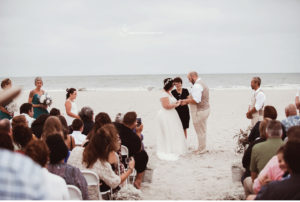 021-sanderson-images-ocean-city-beach-wedding-photographer-plus-size-bride-vintage