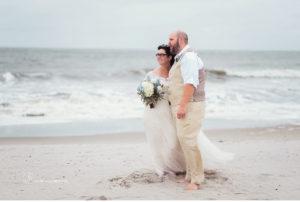 035-sanderson-images-ocean-city-beach-wedding-photographer-plus-size-bride-vintage