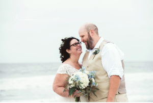 037-sanderson-images-ocean-city-beach-wedding-photographer-plus-size-bride-vintage